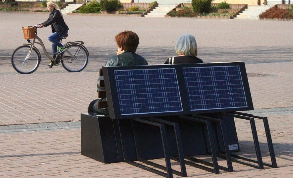 Tarnobrzeg ławeczka solarna citymarketing